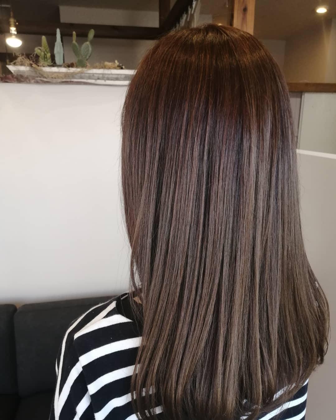 #ヘアカラー#トリートメントで#ツヤ髪 になりました#豊橋美容室 #she です️この時期は気温、湿度も高くなり髪の毛や頭皮が不調になりやすいです#トリートメント#頭皮ケア#ヘッドスパのメニューがおすすめです髪質頭皮の状態に合わせて最適なものをお選びいたしますご相談下さい